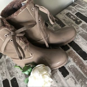 Shoes - Rain boots - weather boots size 6(CorsoComo) taupe